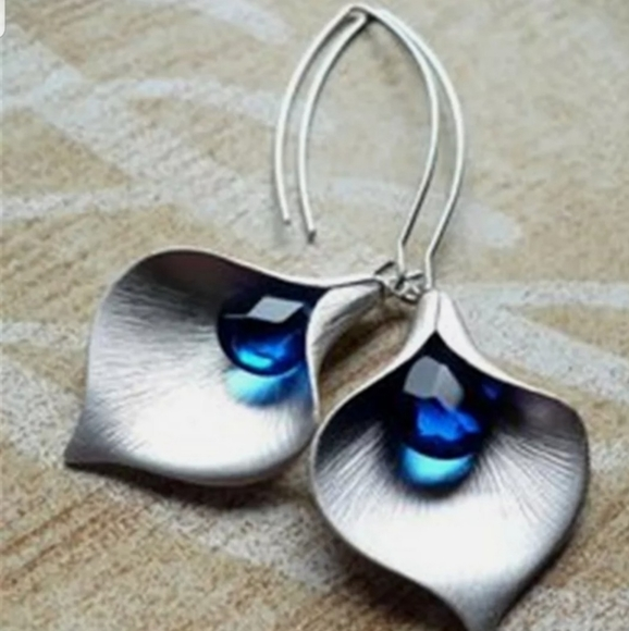 Independent Jewelry - Boho 925 Silver & Blue Sapphire Earrings
